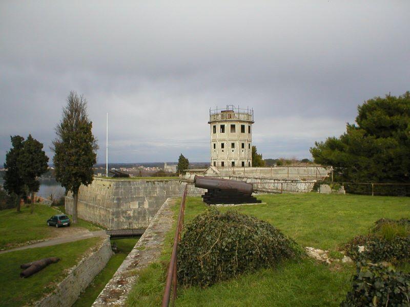 Kastel Fort